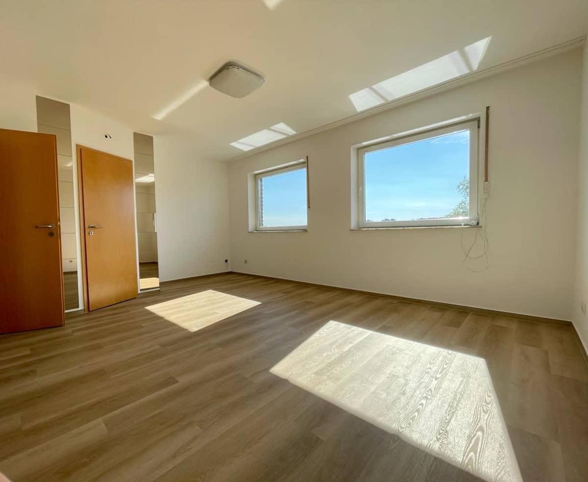 Schlafzimmer (2) Obergeschoss