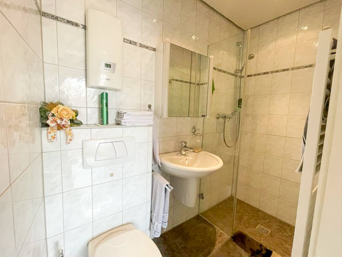 Badezimmer EG